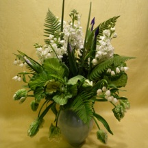 picture of white and green arrangement