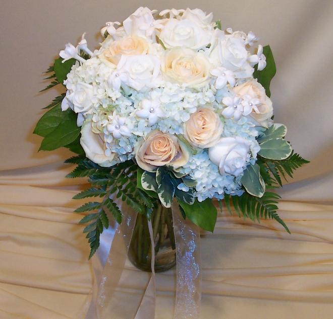 picture of brides bouquet with Stephanotis