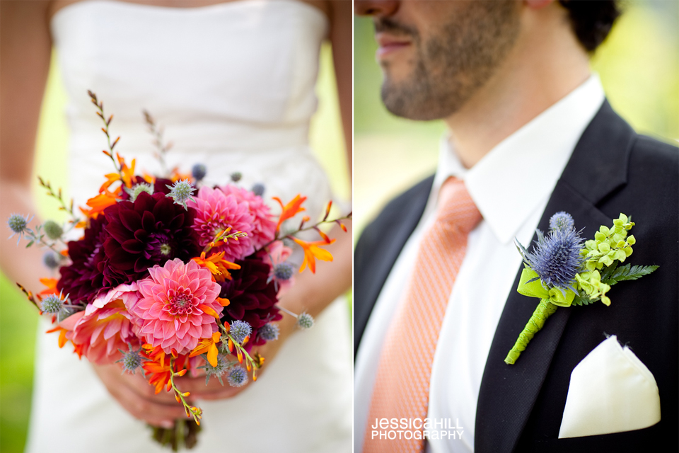 picture of brides bouquet and boutonniere
