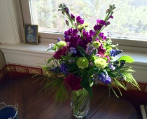 Grape Hyacinth and forget me Nots, sweet surprises in spring bouquet.